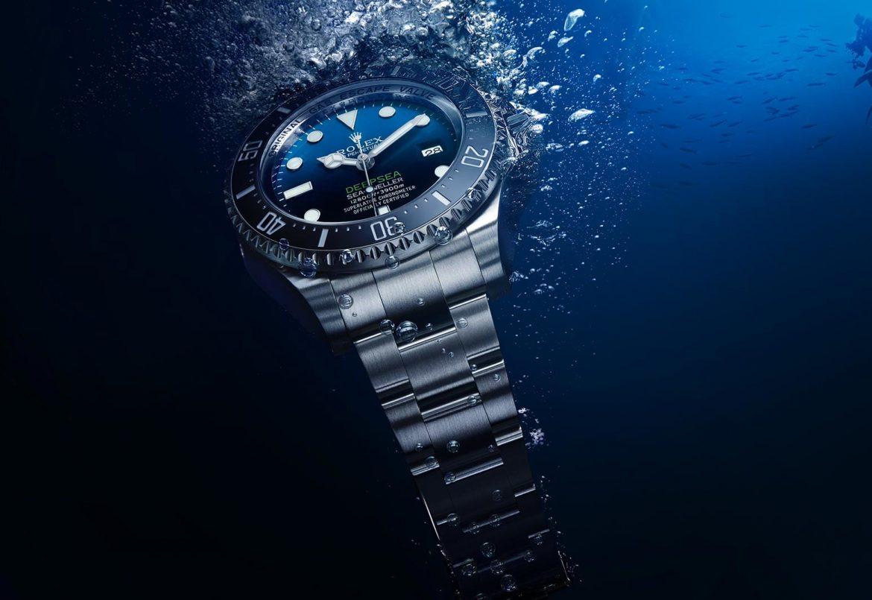 đồng hồ đem đi bơi được không