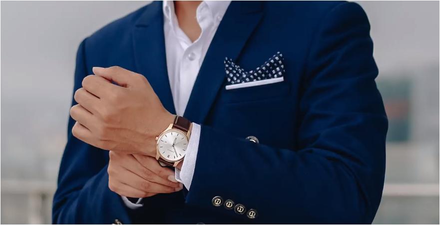 đồng hồ wenger sang trọng và hợp lí