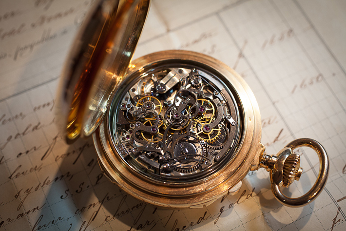 nút chỉnh đồng hồ