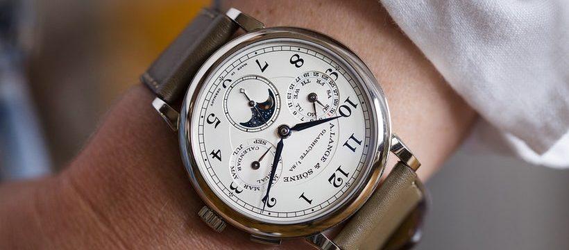 Đồng hồ giá tầm trung A. Lange & Sohne