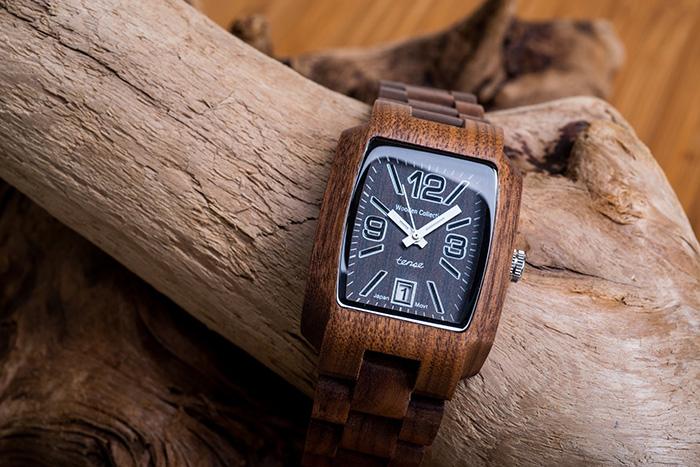 đồng hồ thiết kế từ gỗ